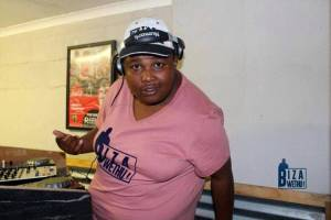 uBiza Wethu - Ola Kingice
