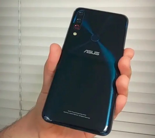 Screenshot_2018-10-27-Leaked-Asus-ZenFone-6-prototypes-hint-at-display-holes-and-triple-camera-setups6