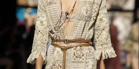 Διπλή ζώνη: To trend που ξεχωρίσαμε στο show του οίκου Dior και θα υιοθετήσουμε άμεσα