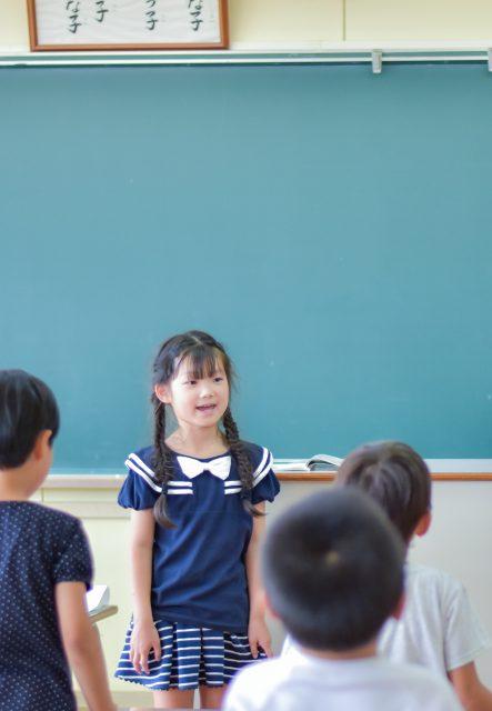 小学低学年の女の子