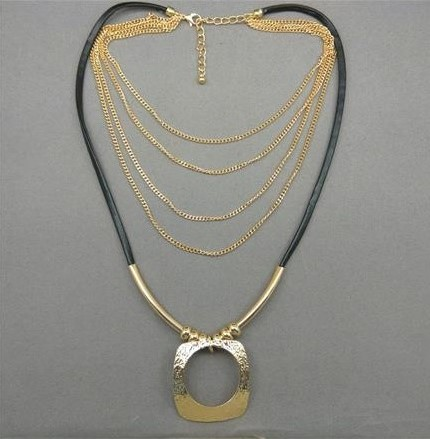 Layered Necklace with Square Golden Metal