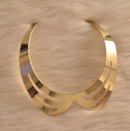 Golden Collar Fashionable Choker Necklace