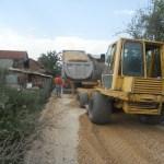 Асфалтирање улица у Доњој Гуштерици