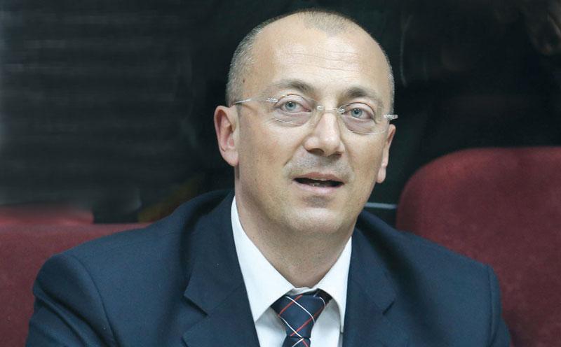 Ракић и командант КфОР-а телефоном разговарали о безбедносној ситуацији на северу