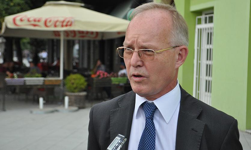 ОЕБС осуђује претње упућене новинару Леонарду Керћукију
