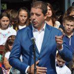 Ђурић дочекује децу из Косовског Поморавља