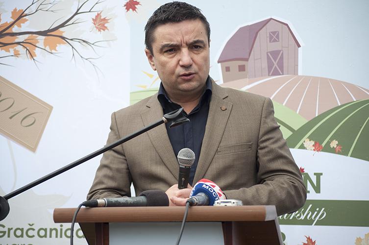 Фото ГрачаницаОнлајн: Градоначелник Грачанице Владета Костић