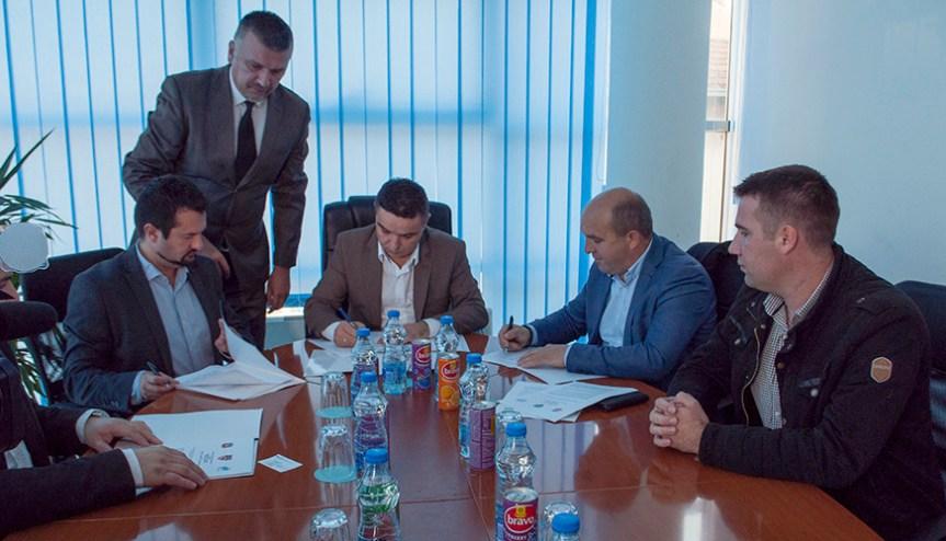Дипломци из мањинских заједница у централним и локалним косовским институцијама