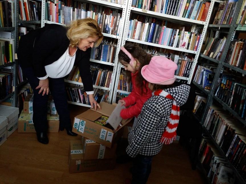 Пакетићи за највредније читаоце и чланове Народне библиотеке
