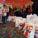 """""""Делије"""" делиле пакетиће деци са централног Косова"""