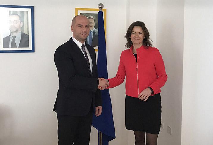 Tanja Fajon i Slavko Simić protiv politizacije problema: Nastaviti pregovore i formirati ZSO