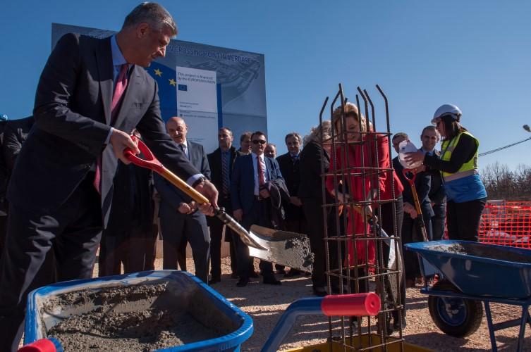 Положен камен темељац за стални прелаз на Мердару са косовске стране