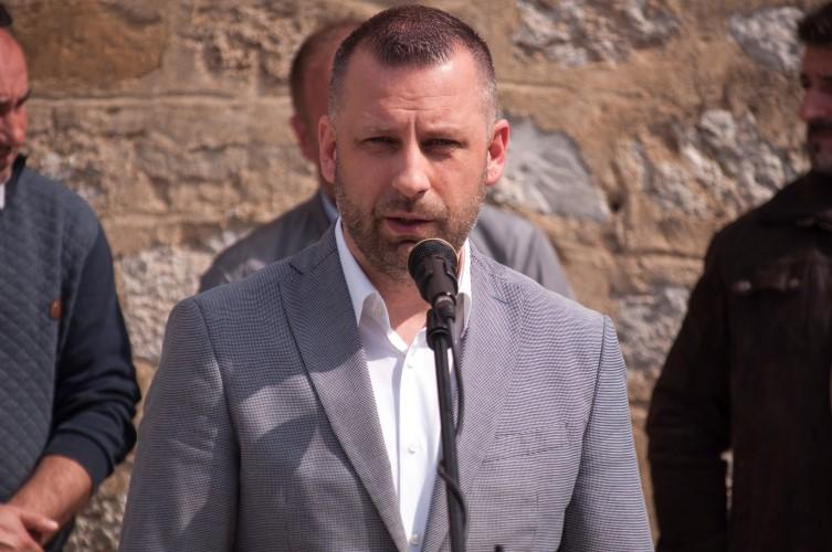 D. Jevtić: Svaka prodata srpska kuća je i prodata šansa da nas bude više