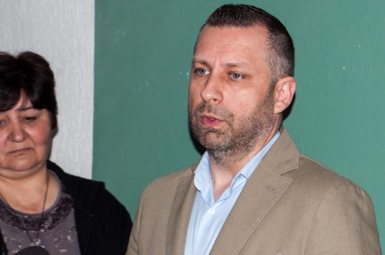 Далибор Јевтић: Новац предвиђен за формирање војске, уложити у повратак расељених