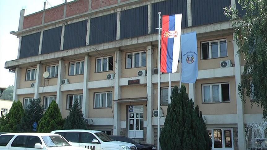 Kozarev i Todić dele sadnice poljoprivrednicima opštine Leposavić