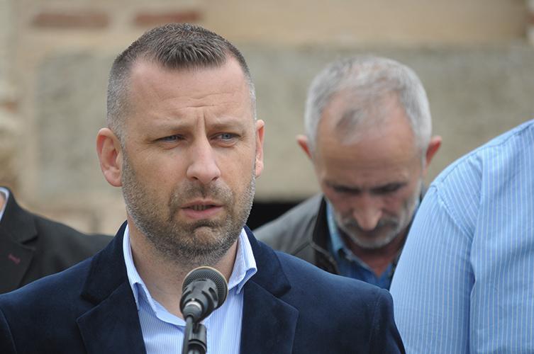 Јевтић: Повлачимо се из Владе и тражимо одговорност
