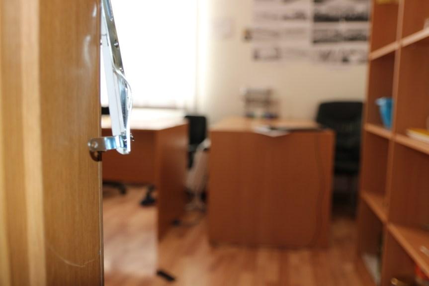 Пронађен део опреме покрадене у згради Бизнис центра у Грачаници