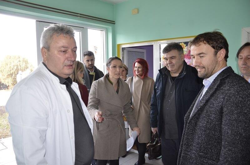 Компанија ИПКО донирала опрему педијатрији у Лапљем Селу
