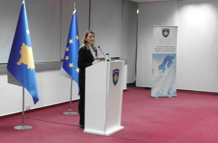 На пријему косовске министарке Дурате Хоџе није било превода на српски језик