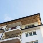 Na stambenoj zgradi u Plemetini urađen novi krov