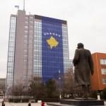 Косово – Деценија зависности од независности