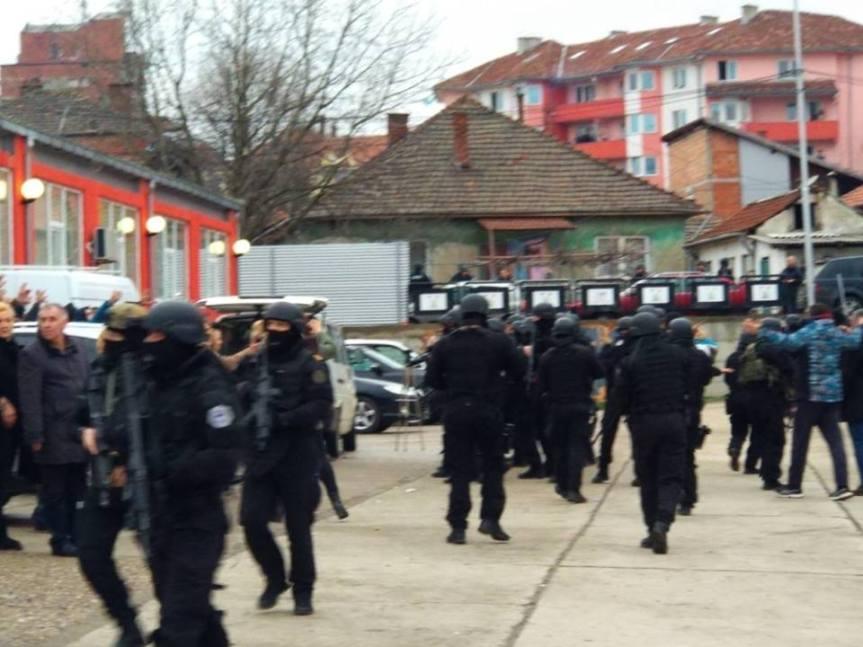 УНС и ДНКиМ осуђују насиље над новинарима у Косовској Митровици