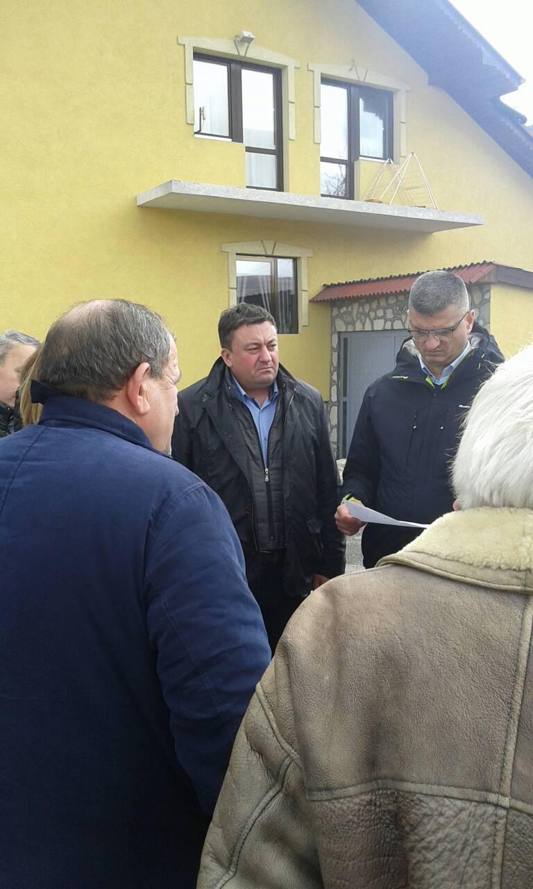 Тодосијевић и Рикало обишли поплављена подручја у општини Звечан