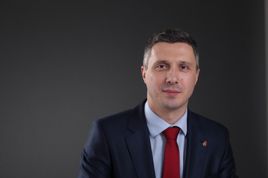Бошко Обрадовић за портал ГрачаницаОнлјн: Мрак је најгушћи пред зору
