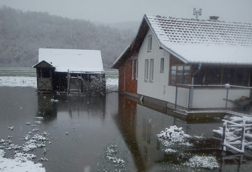Поплаве у Осојану