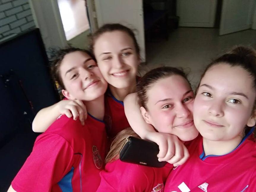 Из Митровице директно за Београд, гимназијалке из Лапљег Села најбоље у баскету 3 на 3