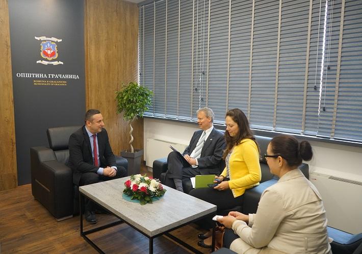 Поповић и Делави: Неопходно веће ангажовање и помоћ са централног нивоа власти