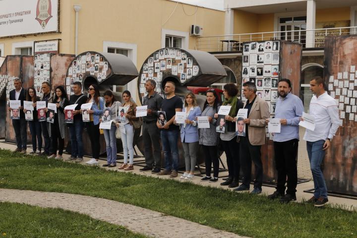 Protesti novinara u Gračanici: Vratiti dostojanstvo profesiji, odgovorne za ubistva i kidnapovanja kazniti, presija nad nama mora prestati!