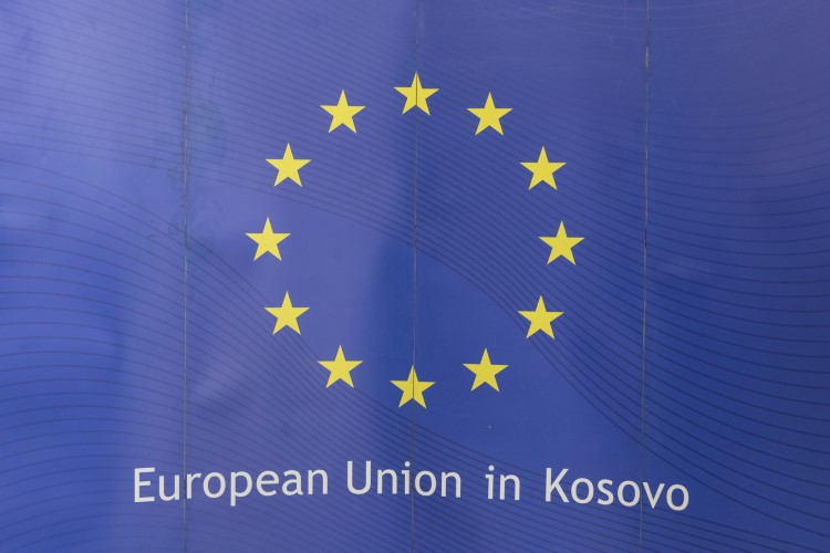 Канцеларија ЕУ забринута због напада усмерених према невећинским заједницама, посебно према Србима