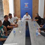 Поповић разговарао са грађанима које су били на мети лопова
