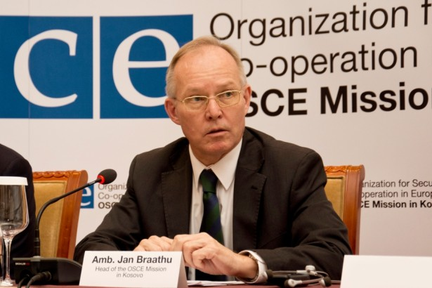Јан Брату, шеф Мисије ОЕБС-а на Косову: Важно је удвостручити напоре да се истраже убиства и киднаповања новинара на Косову