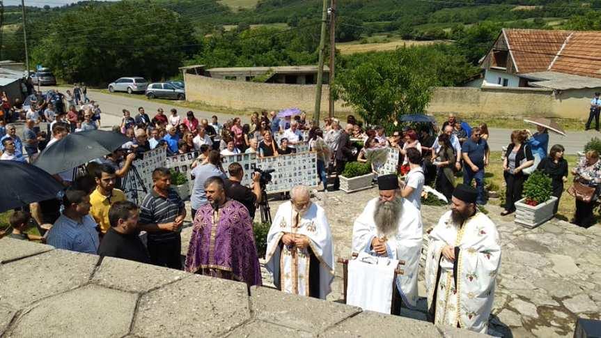 Парастос у Великој Хочи: Дани који исписују крваву српску историју