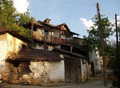 Srpske kuće obijene u Dračjićima