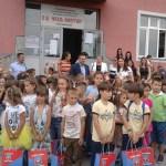 Ђацима првацима, Општина Грачаница поклонила школски прибор