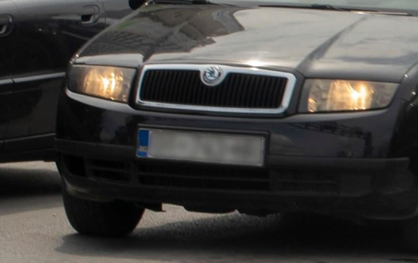 Северна Косовска Митровица: Власницима аутомобила скидане РКС регистарске ознаке