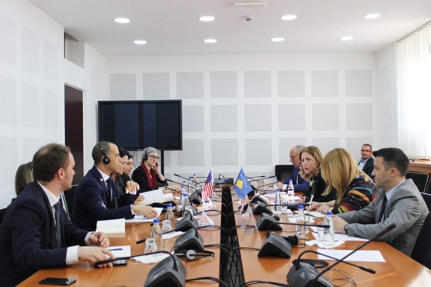 Одбор за економски развој Скупштине Косова састао се са представницима МЦЦ-а