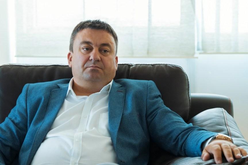 Харадинај сменио Ивана Тодосијевића