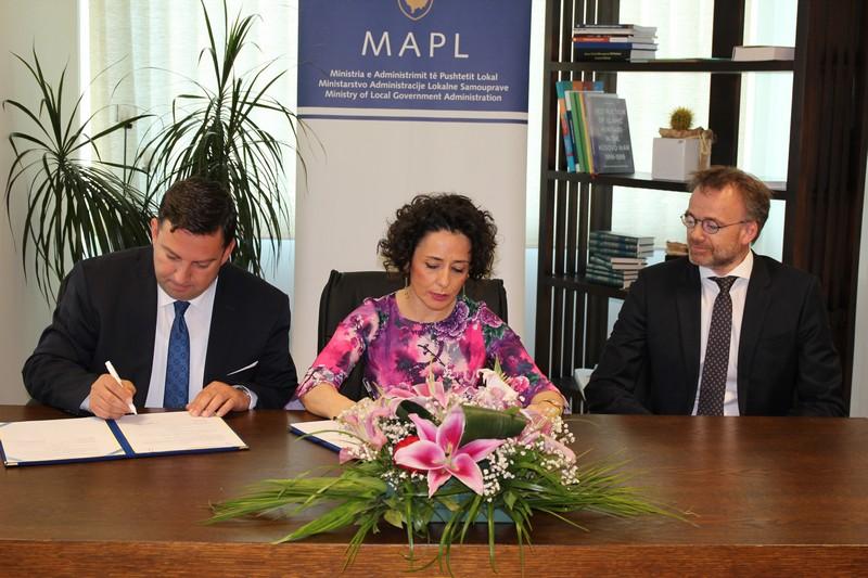 Министарство администрације и локалне самоуправе: 600 000 евра за 11 општина