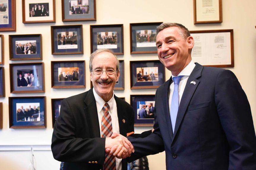 Весељи и конгресмен Елиот Енгел: Србија да призна Косово и одговара за злочине