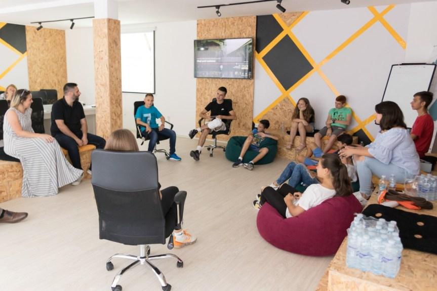 Млади основци и средњошколци Општине Грачаница заинтересовани за омладински активизам