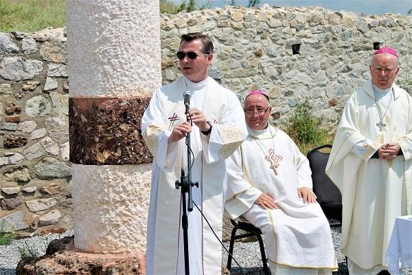 Српска листа: Католичка миса у православном храму у Новом Брду још један доказ да је опасно да Косово постане члан УНЕСКО