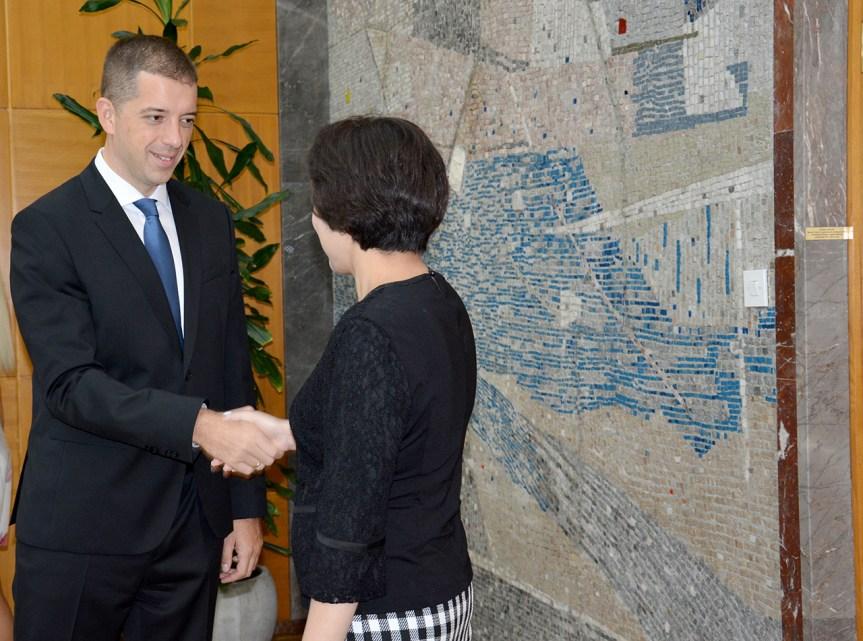 Ђурић и Чен Бо: Србија и Кина ће наставити да буду савезници у борби за поштовање међународног права и принципа суверености држава
