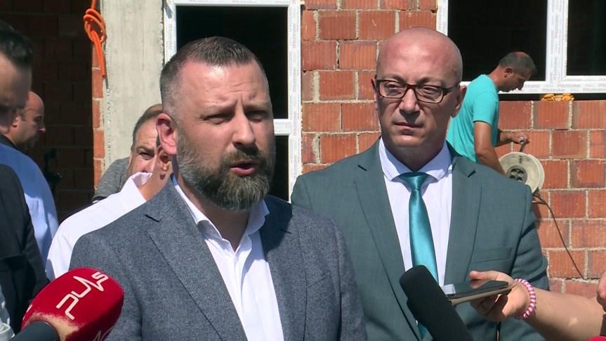 Далибор Јевтић: Слободан Петровић врши притисак на запослене у Пошти Косова