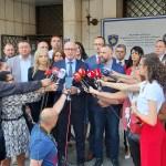 Српска листа предала листу кандидата Централној изборној комисији