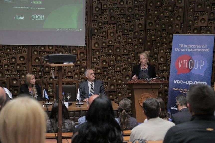 Први онлајн албанско – српско – албански речник представљен у Приштини
