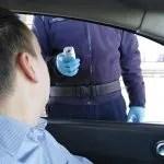На Мердару полиција мери температуру путницима